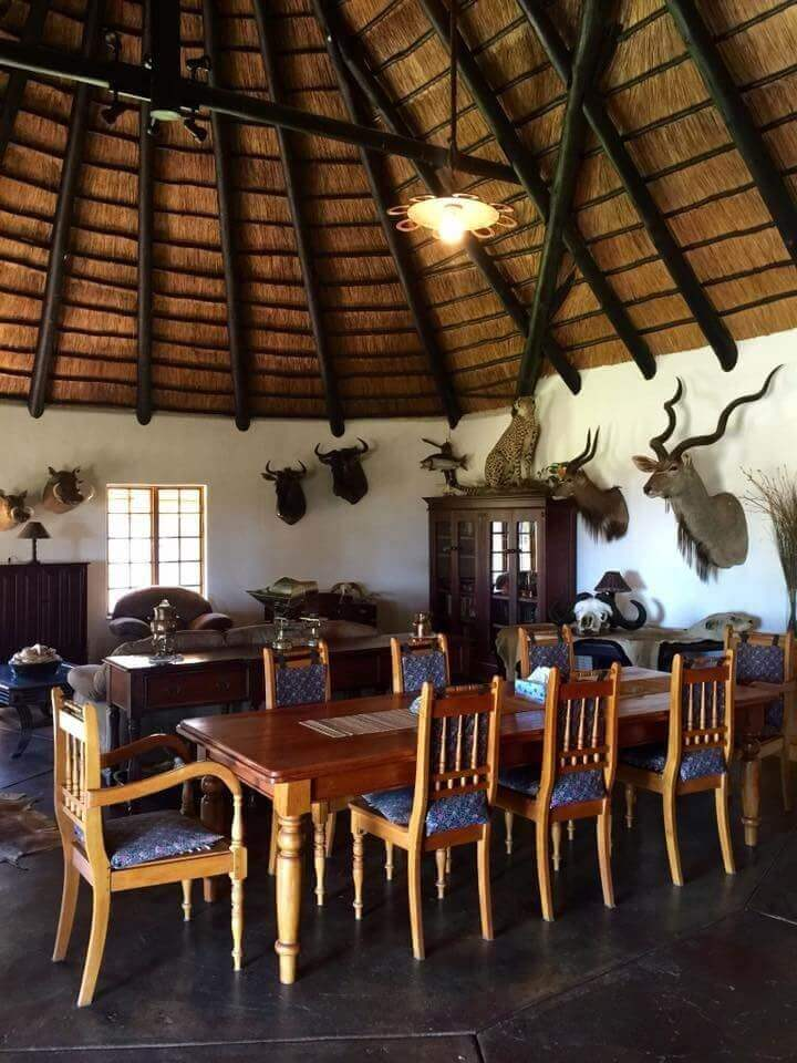 Shi-awela Safaris